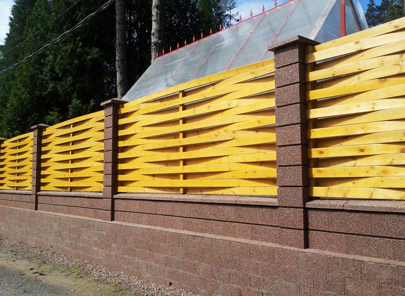 какого цвета покрасить деревянный забор фото как запутаться
