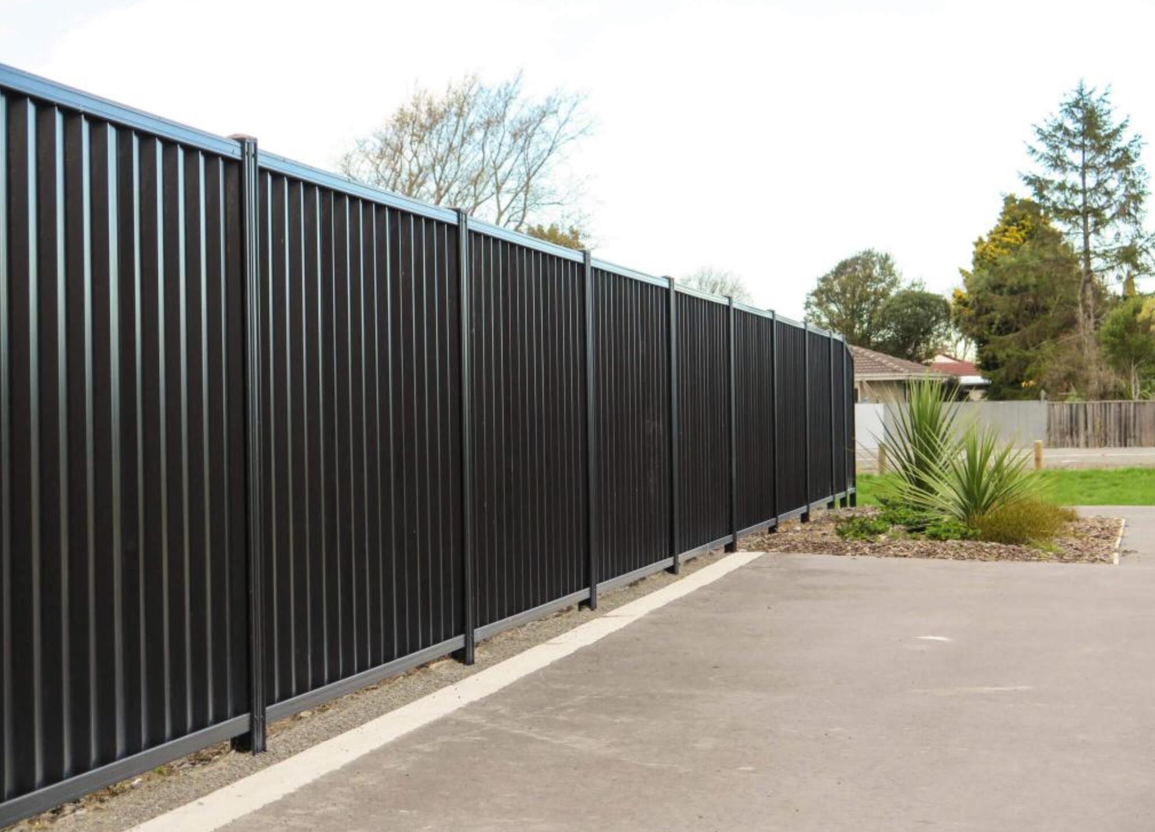 Забор из профнастила фото высокого качества
